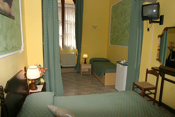 Soggiorno Alessandra B&B - Bed & Breakfast in historical center of ...